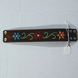 Western Style Leather Floral Embroidered Cuff BNWT